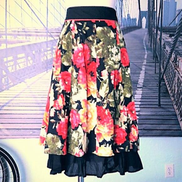 Modcloth Dresses & Skirts - NWT! MODCLOTH layered rose print swing skirt, sz L